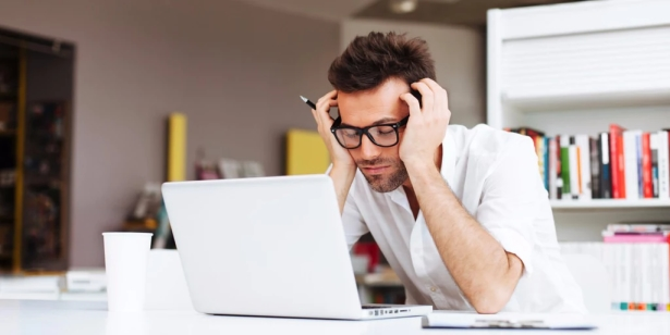 Wie die Arbeit unseren Schlaf beeinflusst