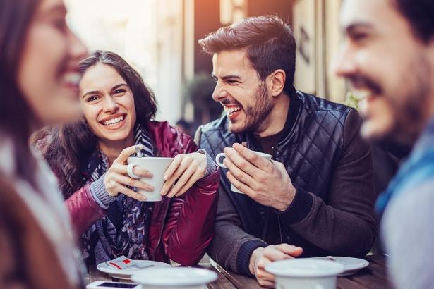 Was beim Flirten auf keinen Fall tun?